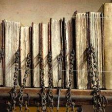 İngiltere'de Kapılarını Yılda Sadece 1 Kere Temizlik İçin Açan Zincirli Kütüphane