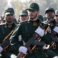 """ABD'nin """"Terör Örgütü"""" Olarak Tanıdığı İran Devrim Muhafızları Tam Olarak Nedir?"""