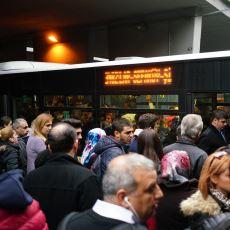 İyiden İyiye Kendini Hissettiren Bir Gerçek: Metrobüse Binmenin Artık İmkansız Olması