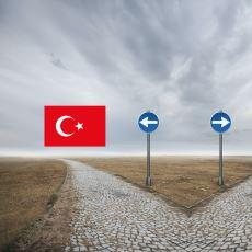 Kazanılan Maaşlar Üzerinden Yapılan Kıyaslarla: Türkiye vs Yurt Dışı Kariyer Planı