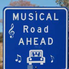 Amerika'da Hız Kontrolünü Sağlamak İçin Yapılan Müzikal Yol Sistemi