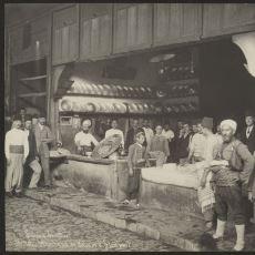 1884 Yılında İstanbul'da Çekilen Kebapçı Fotoğrafı