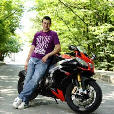 Bir Kuşağa Motosikleti Sevdiren Altın Elbiseli Adam Barkın Bayoğlu Yaşamını Yitirdi