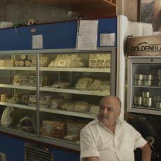 Müslüman Mahallesinde Salyangoz Satan Bir Adam: İstanbul'un Tek Domuz Kasabı Lazari