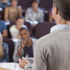 Amacı Öğretmekten Çok Daha Fazlası Olan Akademisyenliğin Öğretmenlikten Ayrıldığı Noktalar