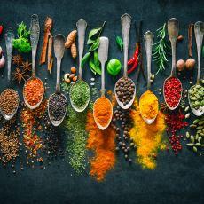 Bir Aşçının Anlatımıyla: Yemekleri Baharatlarken Dikkat Edilmesi Gereken Hususlar