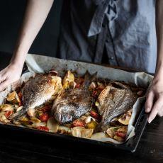 Bir Aşçının Püf Noktalarıyla: Leziz Bir Fırında Balık Tarifi