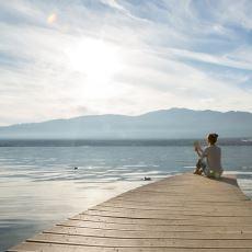 Mutluluğa Başka Bir Açıdan Bakacağınız İlaç Gibi Bir Yazı: Şu Mutsuzluğu Bir Rahat Bırakır mısınız Lütfen?