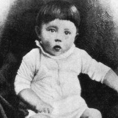 Geçmişe Giderek Bebek Adolf Hitler'i Öldürmek, Bir Şeyi Değiştirir miydi?