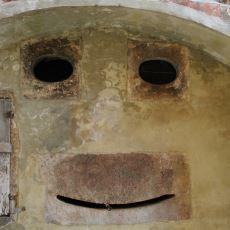 İnsanın Baktığı Cansız Nesnelerde İnsan Yüzü Görmesi İllüzyonu: Pareidolia