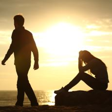 'Erkekler Aşk Acısını Daha Çabuk Atlatır' Yanılgısı