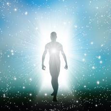 """İnsan Vücudunun """"Hepimiz Aslında Yıldız Tozuyuz""""  Mitini Açıklayan Kimyasal Muhteviyatı"""