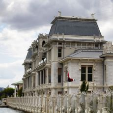 Çokça Karıştırılan Büyükelçilik ve Konsolosluk Arasındaki Farklar Nedir?