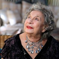 Türkiye'nin İlk Kadın Şarkı Sözü Yazarı, Ajda Pekkan Hitlerinin Arkasındaki İsim: Fikret Şeneş
