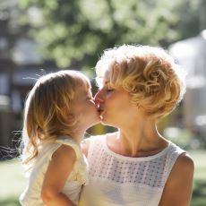 """Ebeveynlerin Çocuklarına """"Aşkım"""" Şeklinde Hitap Etmesi Ne Kadar Doğru?"""