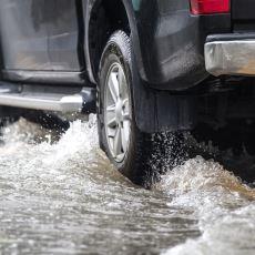 Yağmurda Araba Kullanacaklar İçin Altın Değerinde Tavsiyeler