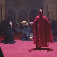 Eyes Wide Shut Filminde Anlatılan Şeylerin Çoğu Bir Rüyadan mı İbaret?