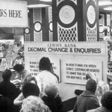 İngilizlerin 12'lik Para Birimini Bırakıp 10'luk Birime Geçtiği Tarihi Gün: Decimalisation