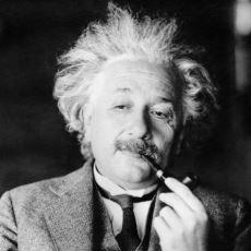Albert Einstein'dan Kulaklara Küpe Olması Gereken Hayat Dersleri
