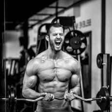 Spor Salonlarında Erkekler Arasında Oluşan Testosteron Dolu Gerginlik