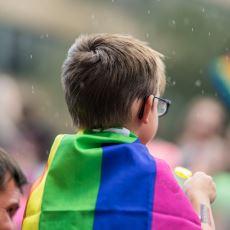 Eşcinsel Çocukların Cinsel Yönelimleri Yüzünden Diğerlerine Göre Çok Daha Sancılı Geçen Okul Yılları