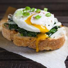 Kahvaltıda Klasik Lezzetlerden Sıkılanlar İçin Orijinal Bir Tarif: Poşe Yumurta