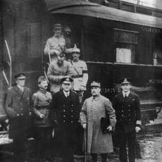 I. Dünya Savaşı'nın Sonunu Getiren ve Hitler'in Başa Gelmesine Neden Olan Versailles Antlaşması