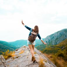 İnsanı Hevesiyle Çeşitli Endişeleri Arasında Sürükleyen Eylem: Tek Başına Tatile Çıkmak