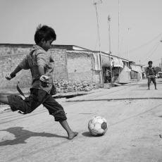 Çocukluktan Kalma Bir Ritüel: Takım Gol Yiyince Artistlik Yapıp Kaleye Geçmek