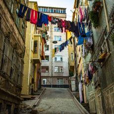 İnsanı Duygulandıran Bir Olay: Çocukluğun Geçtiği Sokaklarda Yıllar Sonra Yürümek