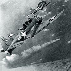 II. Dünya Savaşı'nda ABD ve Japon Uçak Gemilerinin Amansız Düellosu: Midway Muharebesi