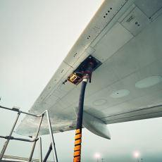 Uçak Yakıtı Olarak Neden Benzin Yerine Kerosen (Gaz Yağı) Kullanılır?