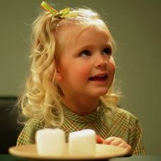 Çocukların İleride Ne Kadar Başarılı Olabileceğine Dair Fikir Veren Marshmallow Testi
