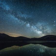 Geceleri Gökyüzünün Karanlık Olmasının Sebebi 20. Yüzyıla Kadar Neden Bulunamadı?