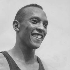 Hitler, Berlin Olimpiyatlarında Rekor Kıran Siyahi Atlet Jesse Owens'ı Tebrik Etmedi mi?