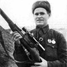 Stalingrad'daki Mücadelesiyle Enemy at the Gates Filmine Konu Olan Keskin Nişancı: Vassili Zaitsev