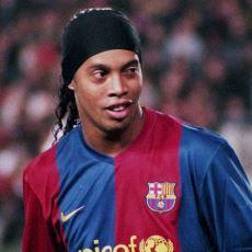 İstatistik Kaygısı Gütmeden Futbolun Güzelliğini Yansıtan Ronaldinho Yeşil Sahalara Veda Etti