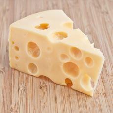 Peynirde Oluşan Minik Deliklerin Sebebi