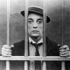 Sinema Tarihinin Hiç Gülmeden Güldürmeyi Başaran Ustası: Buster Keaton