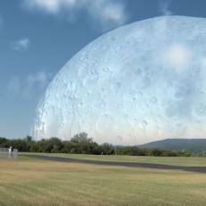 Ay, Bize Uluslararası Uzay İstasyonu Kadar Yakın Olsaydı Dünya'dan Nasıl Görünürdü?