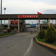 Yurt Dışından Türkiye'ye Yasal Yollarla Nasıl Araba Getirilir?
