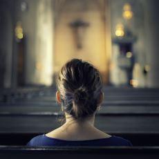 İstatistikler ve Tarafsız Yorumlarla: Kadınlar Neden Erkeklerden Daha Dindardır?