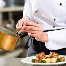 Otel Mutfaklarındaki Çeşitliliğin Gelebileceği Son Nokta: Çorbayı Dilimleyip Tatlı Olarak Servis Etmek