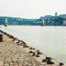 Budapeşte'de Bulunan Tuna Kıyısındaki Ayakkabılar Anıtı Ne Anlama Geliyor?