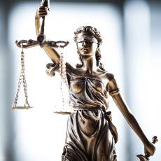 """Hukukî Meselelerde Sıkça Duyduğumuz """"Kadın Beyanı Esastır"""" Deyimi Tam Olarak Ne Anlama Geliyor?"""