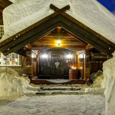 Dağ Evi Sevenlerin Başını Döndürecek Güzellikteki 1.8 Milyon Dolarlık Norveç Evi