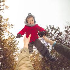 Bebekleri Havaya Zıplatarak Onlarla Oynamak Ne Derece Sağlıklı?