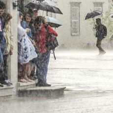 Bardaktan Boşanırcasına Yağan Yağmurun Ne Zaman Biteceği Nasıl Anlaşılır?