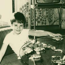 En Güzel Duyguların Katili: Evdeki Oyuncağı Götürmek İsteyen Misafir Çocuk