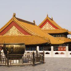 Pekin'deki Yasak Şehrin Avlusunda Bulunan Dev Kazanların İlginç Hikayesi